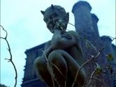 """Кадр из фильма """"Особняк Красная Роза"""" (Stephen King's Rose Red, 2002)"""